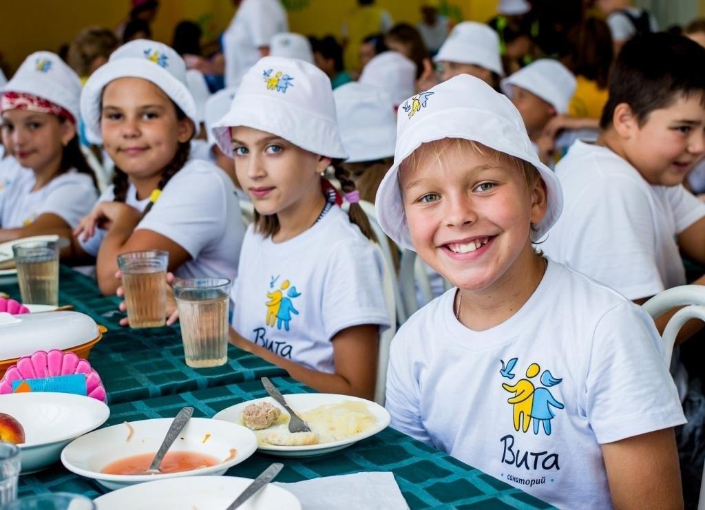 Более 800 детей работников предприятий группы «Норникель» отдохнут этим летом на черноморском побережье