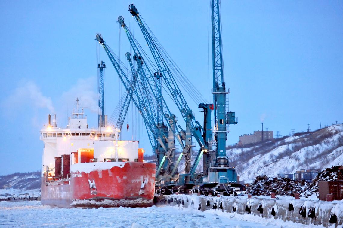 Правительство России решило обнулить НДС на морскую перевалку с целью развития Севморпути