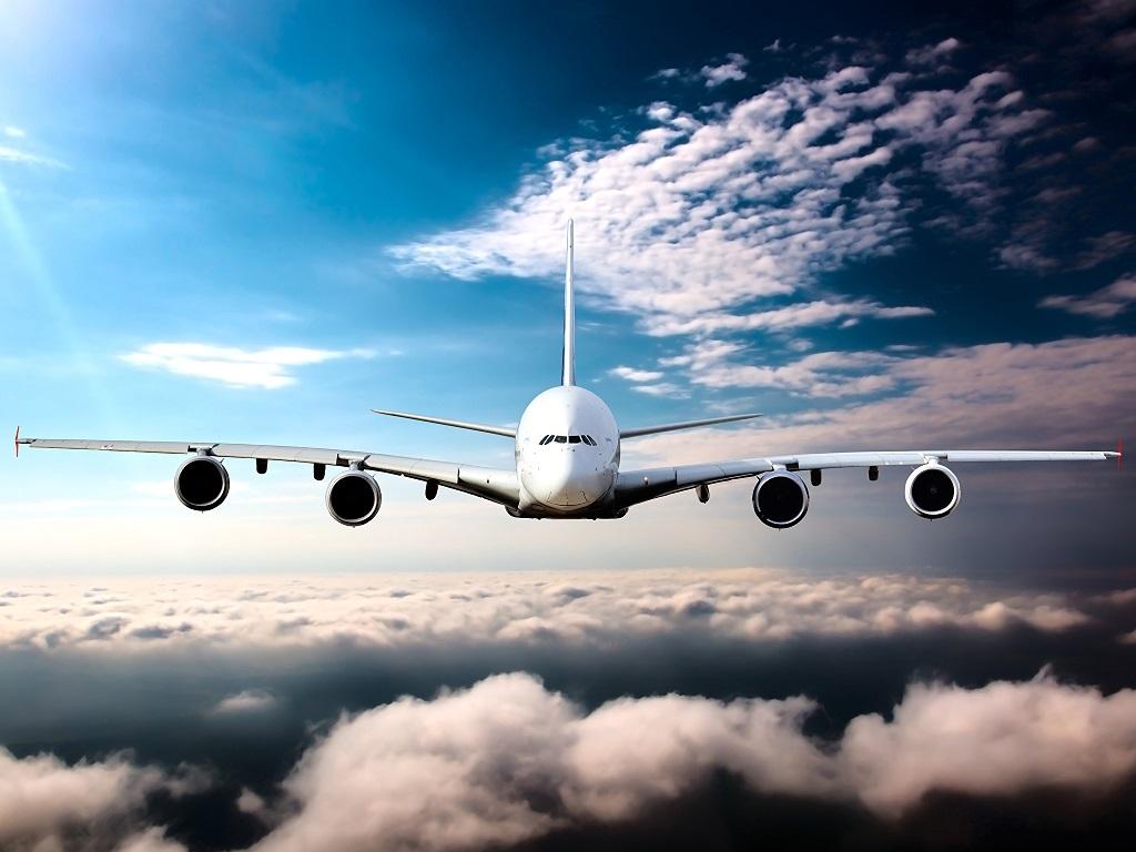 С сегодняшнего дня Россия возобновляет авиасообщение ещё с восемью странами