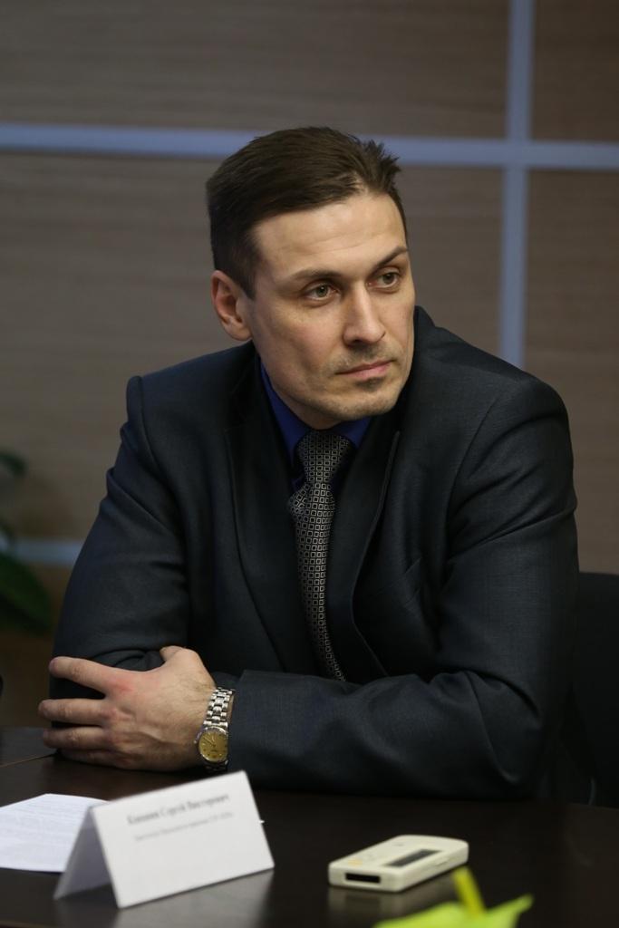 Сергей Канавин занял вакантное место после сложения полномочий Татьяной Скорик