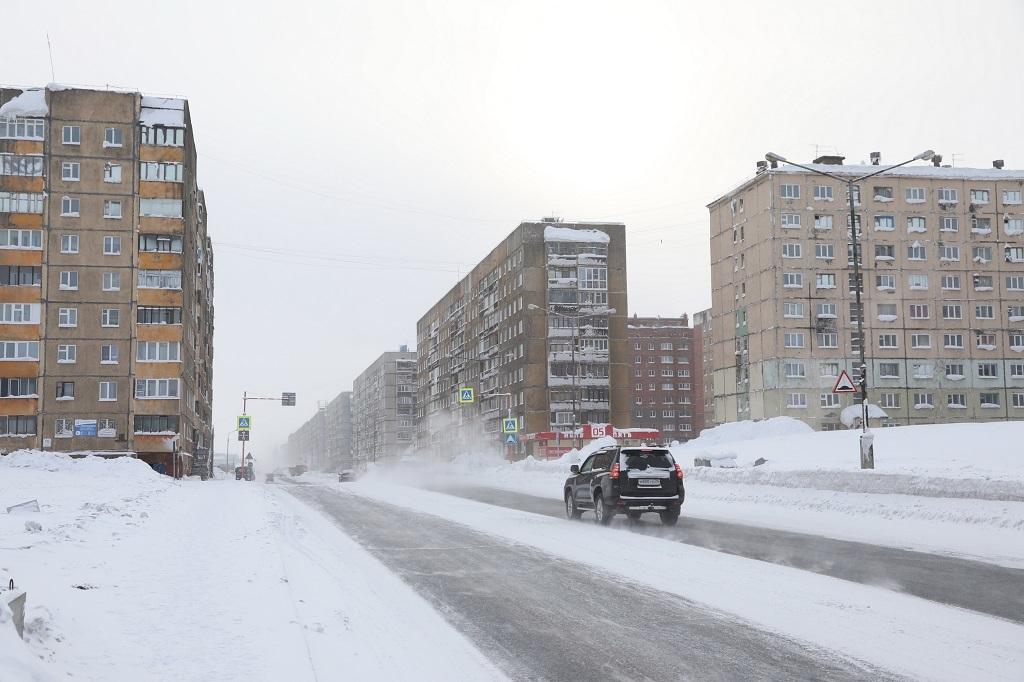 В Норильске продолжаются работы по замене систем электроснабжения в многоквартирных домах
