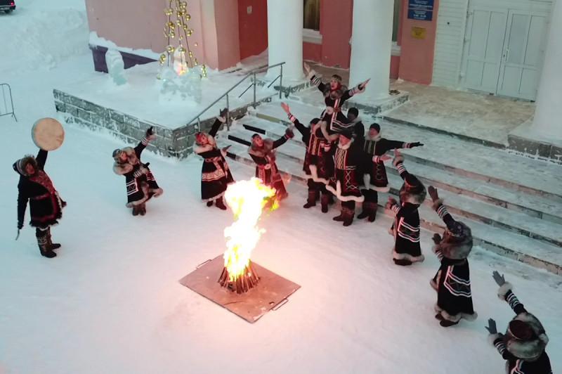 Артисты ансамбля «Хэйро» встретили солнце в столице Таймыра