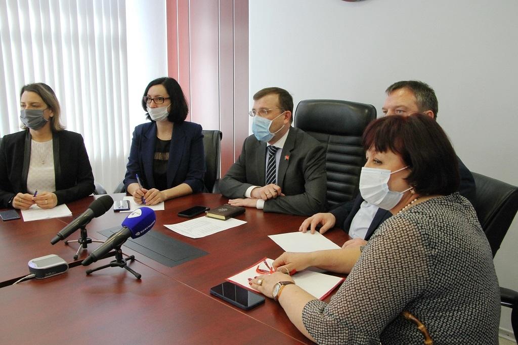 Дмитрий Свиридов обсудил с норильскими депутатами задачи, поставленные Президентом РФ в Послании Федеральному Собранию