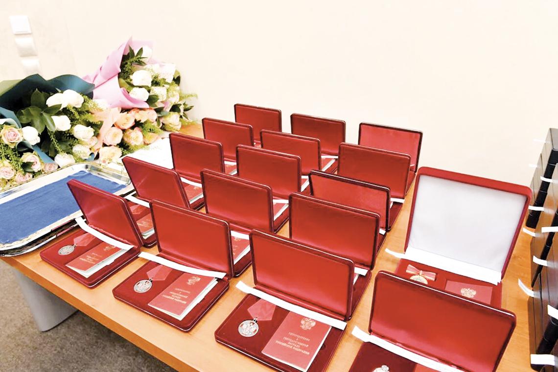Работники предприятий «Норникеля» отмечены государственными, корпоративными и муниципальными наградами