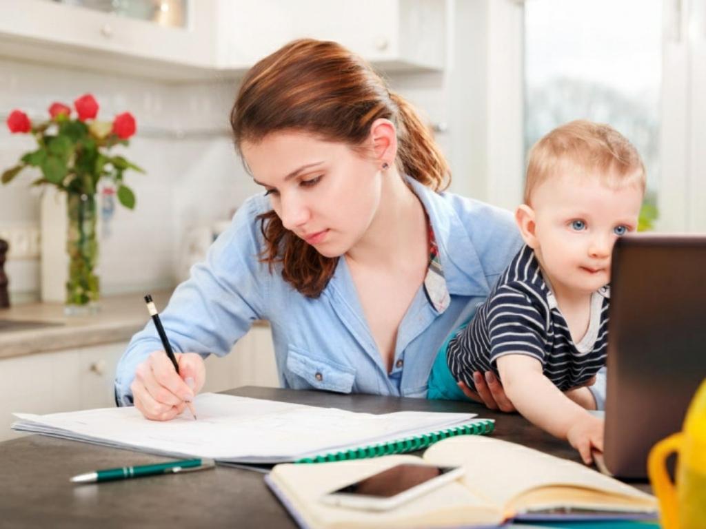 Центр занятости проводит курсы обучения для молодых мам
