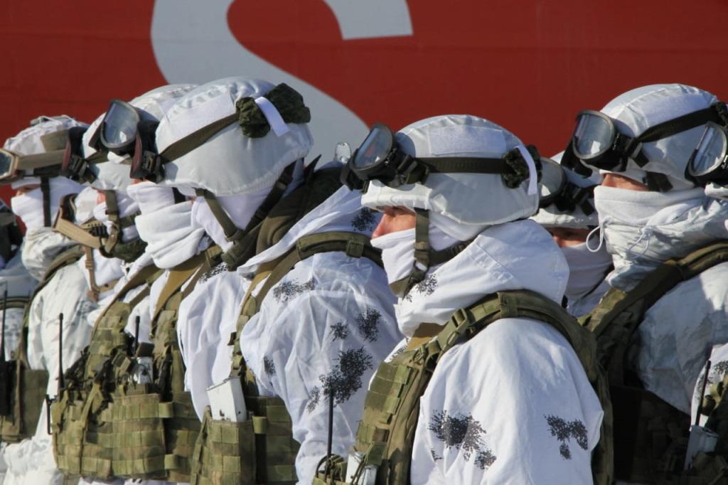 В Дудинке прошли учения спецподразделений Росгвардии по освобождению заложников в морском порту