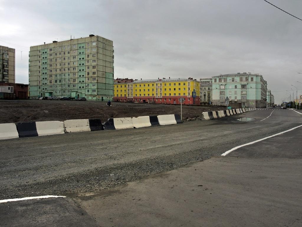 Ремонт дороги возле «Арктики» продолжается