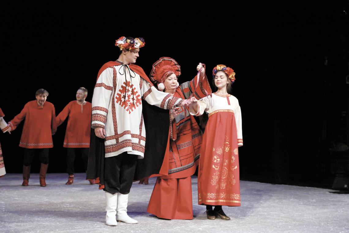 В Заполярной драме готовятся к новогодней премьере сказки «Финист — Ясный сокол»