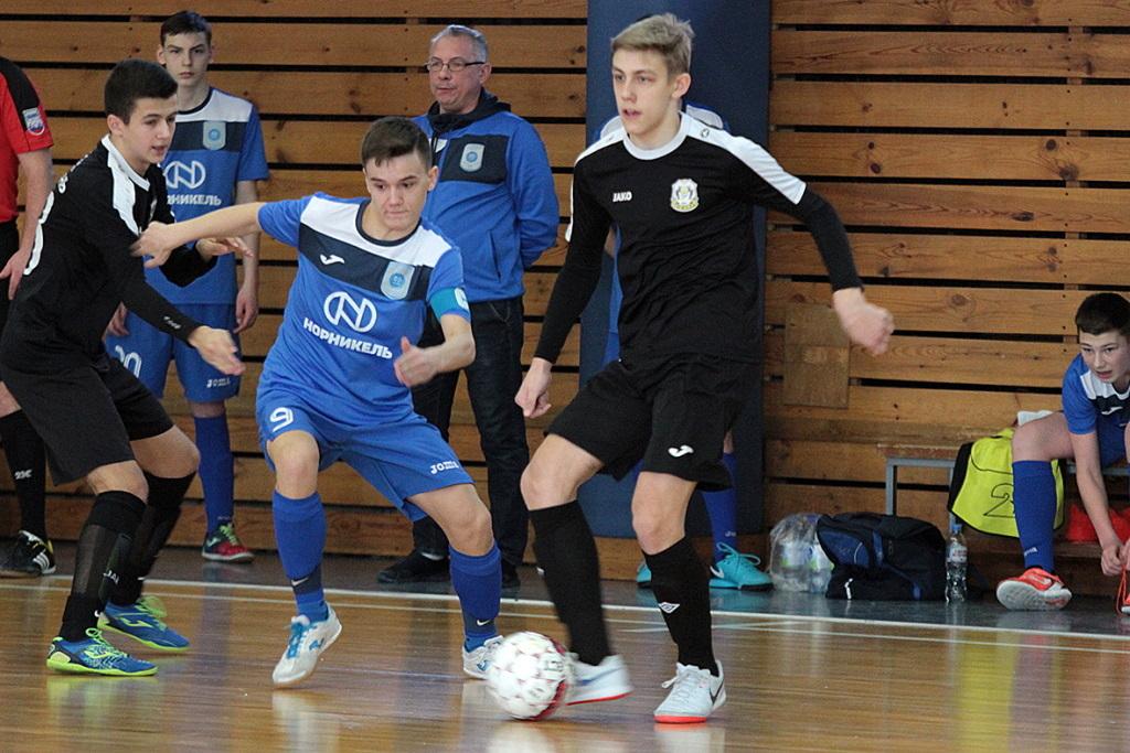 Норильчане проводят игры в новом сезоне юношеской Суперлиги U–16 по футзалу