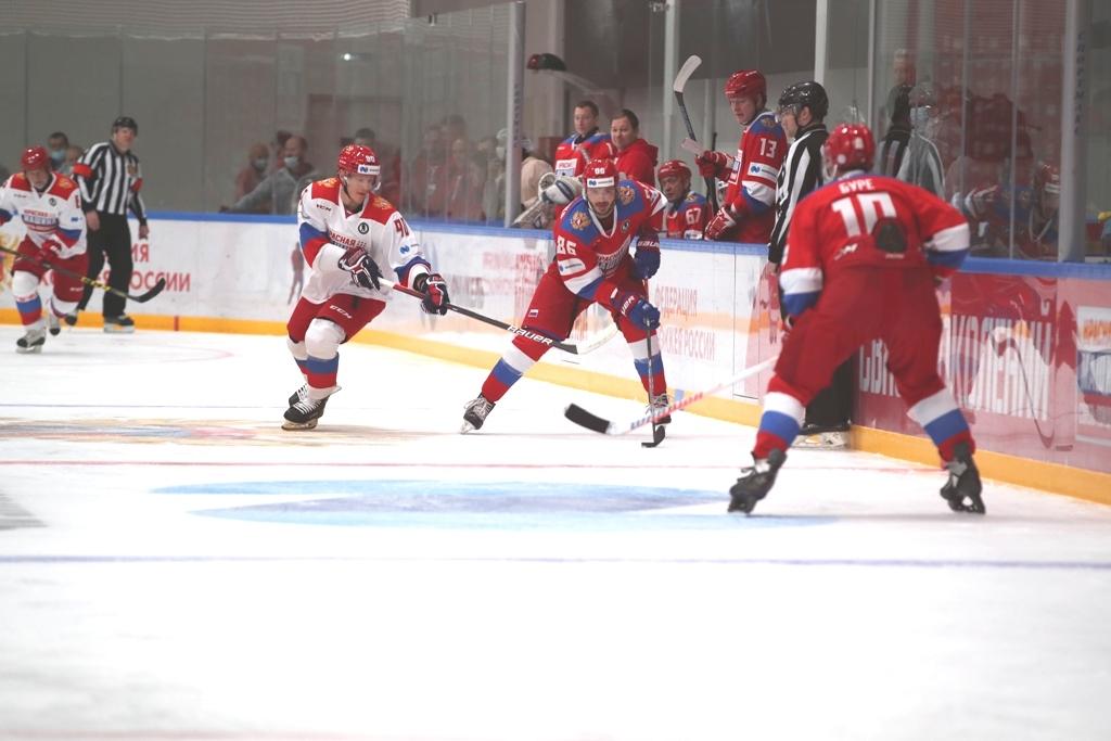 14 декабря прошёл матч «Связь поколений» в подмосковном «Лужки.Клубе»