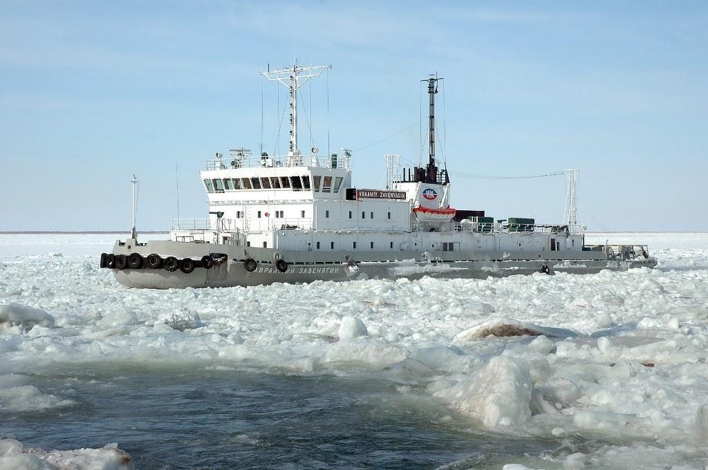 Ледокол «Завенягин» вернулся в порт Дудинку