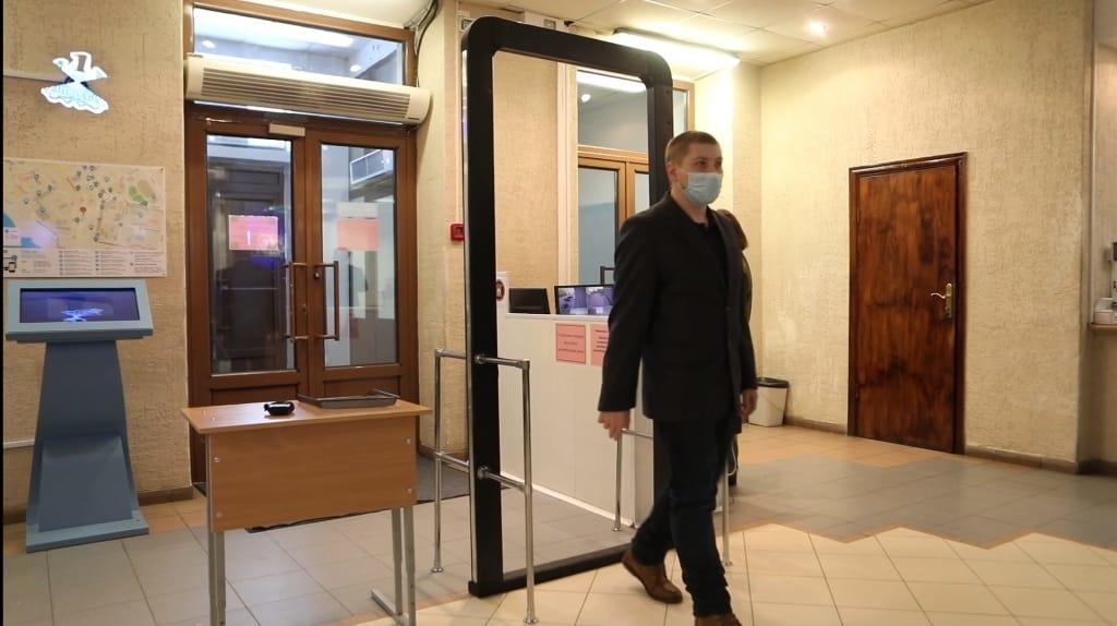 Пункты сдачи экзаменов в Норильске будут оснащены рамками-металлоискателями