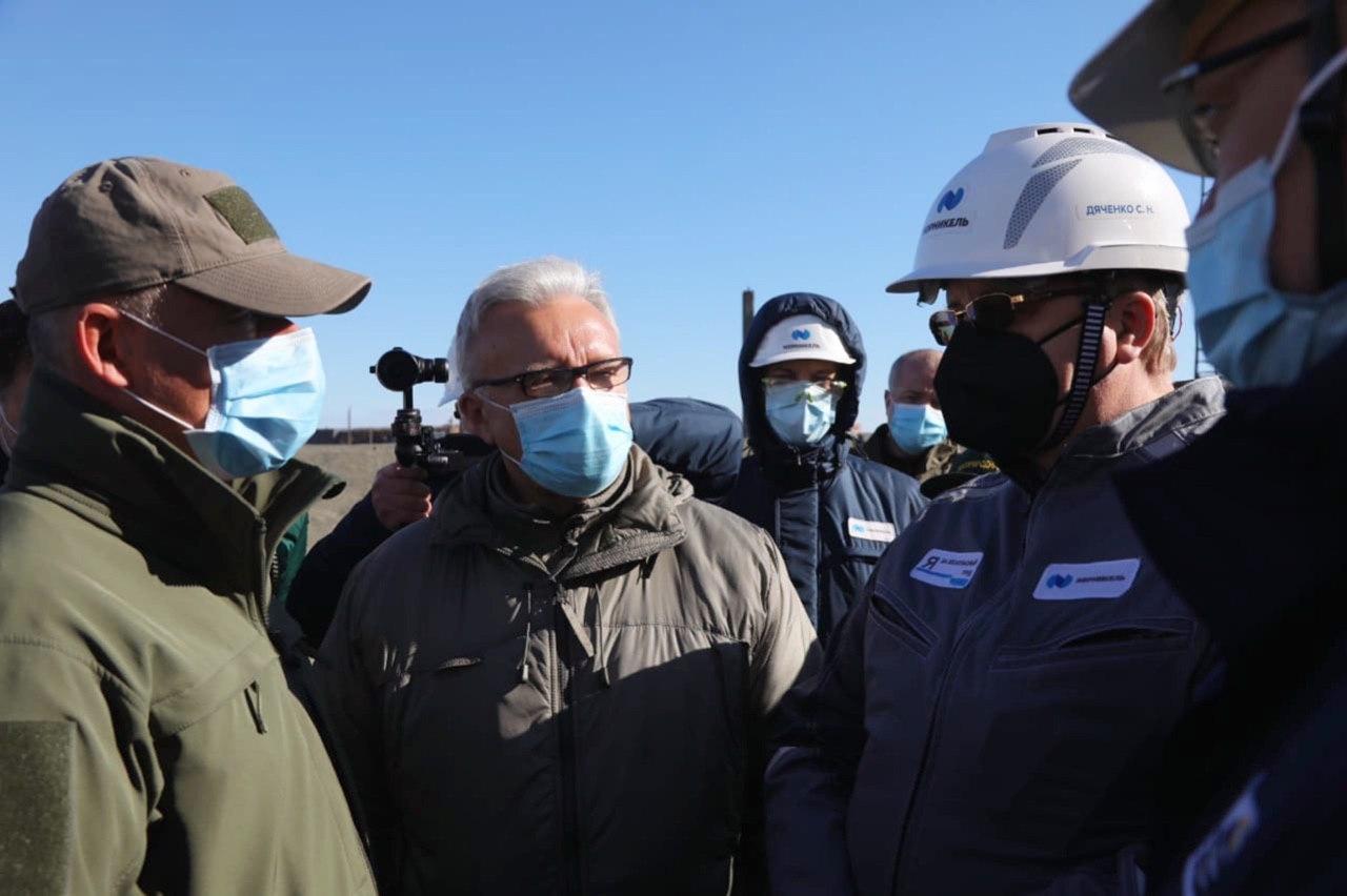 Александр Усс прибыл в Норильск на место разлива нефтепродуктов