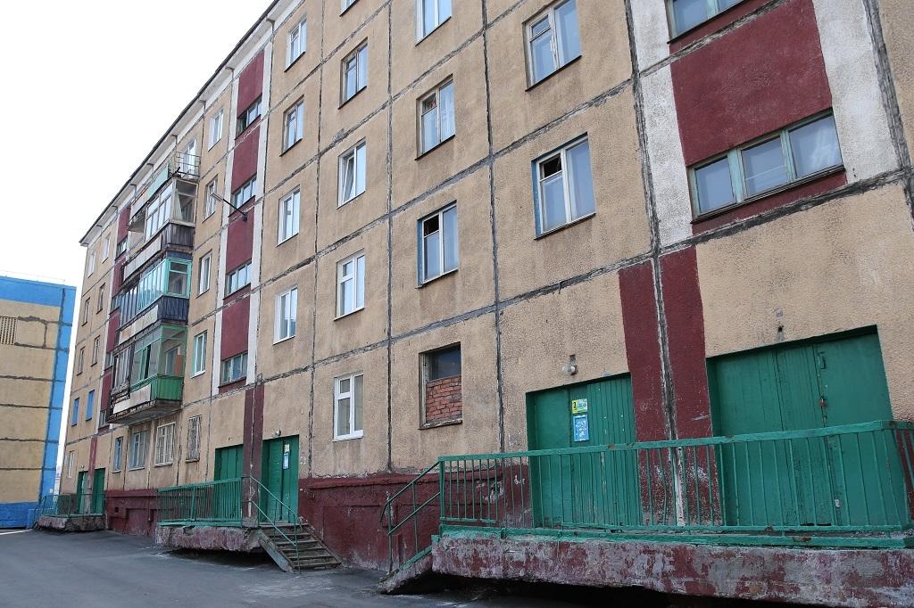Продолжается расселение аварийного дома на Надеждинской, 1