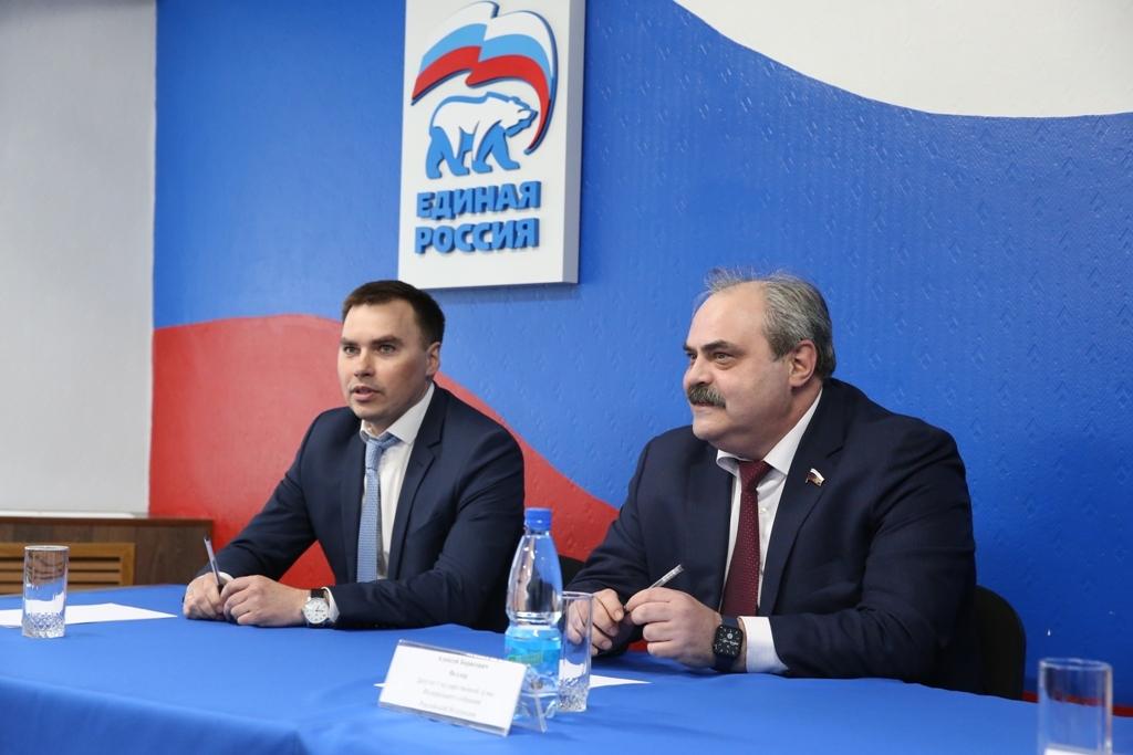 Глава Норильска Дмитрий Карасев предложил депутату Госдумы Алексею Веллеру стать своим советником