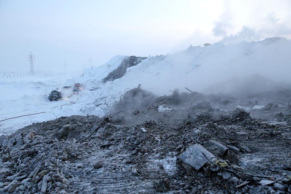 Специалисты следят за чистотой воздуха в районе тлеющей свалки в Талнахе