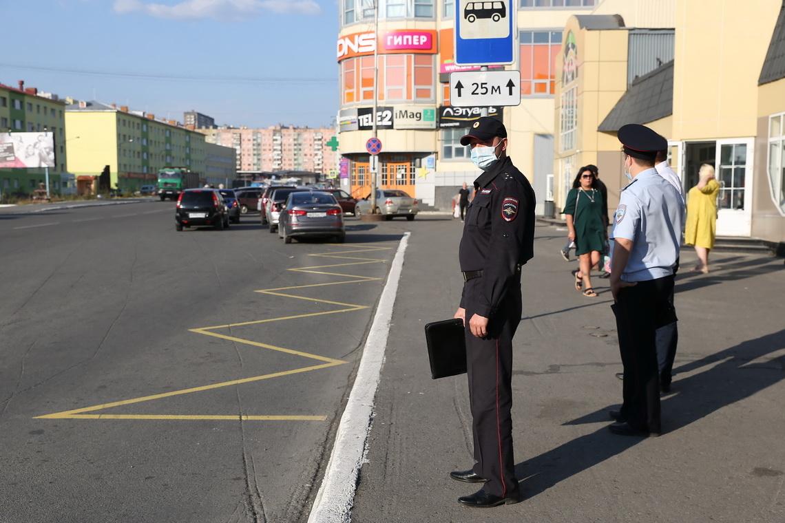 За парковку на автобусной остановке у талнахского автовокзала с начала года оштрафованы 849 водителей