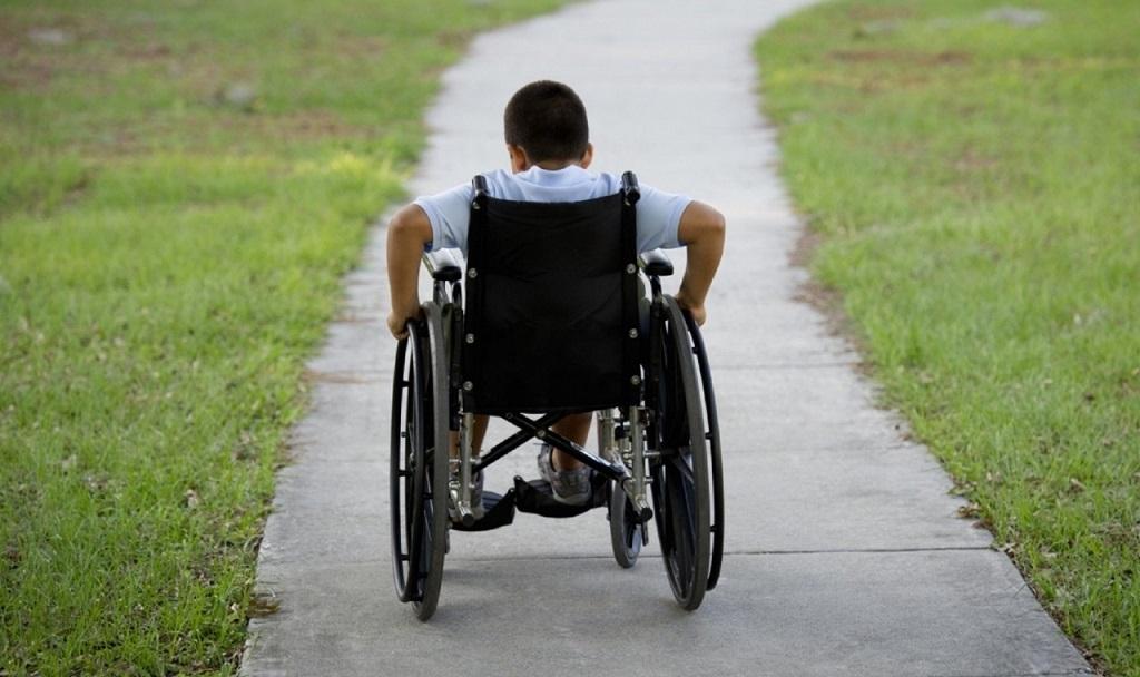 Детей-инвалидов и их сопровождающих теперь будут обслуживать вне очереди