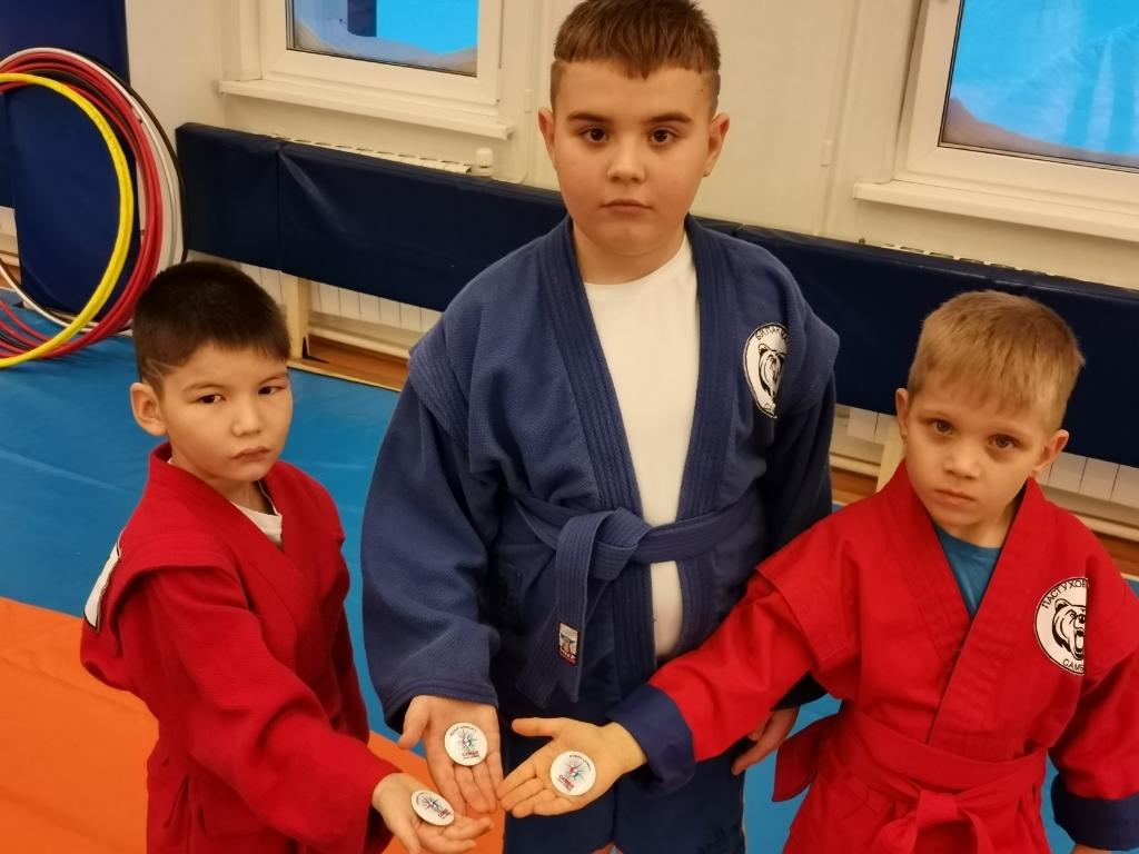 Юных самбистов посвятили в спортивную жизнь