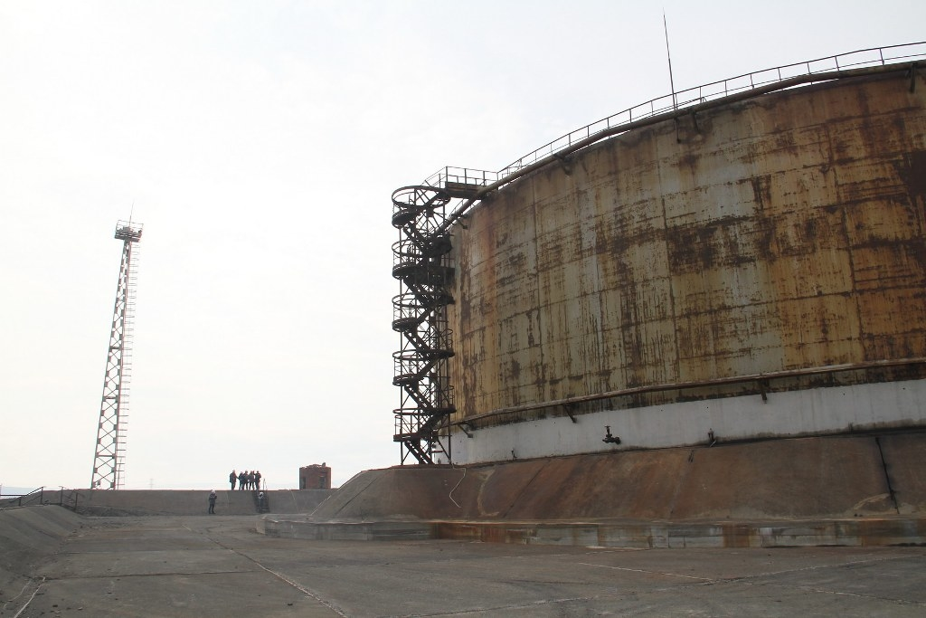 Сегодня, 10 июня, стало известно о задержании трёх сотрудников ТЭЦ-3 по делу о разливе нефтепродуктов