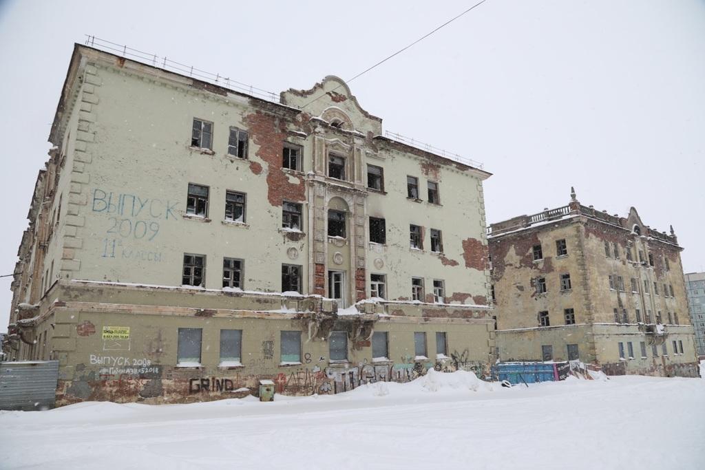 Владельцам аварийного жилья будут предоставлять квартиры из маневренного фонда