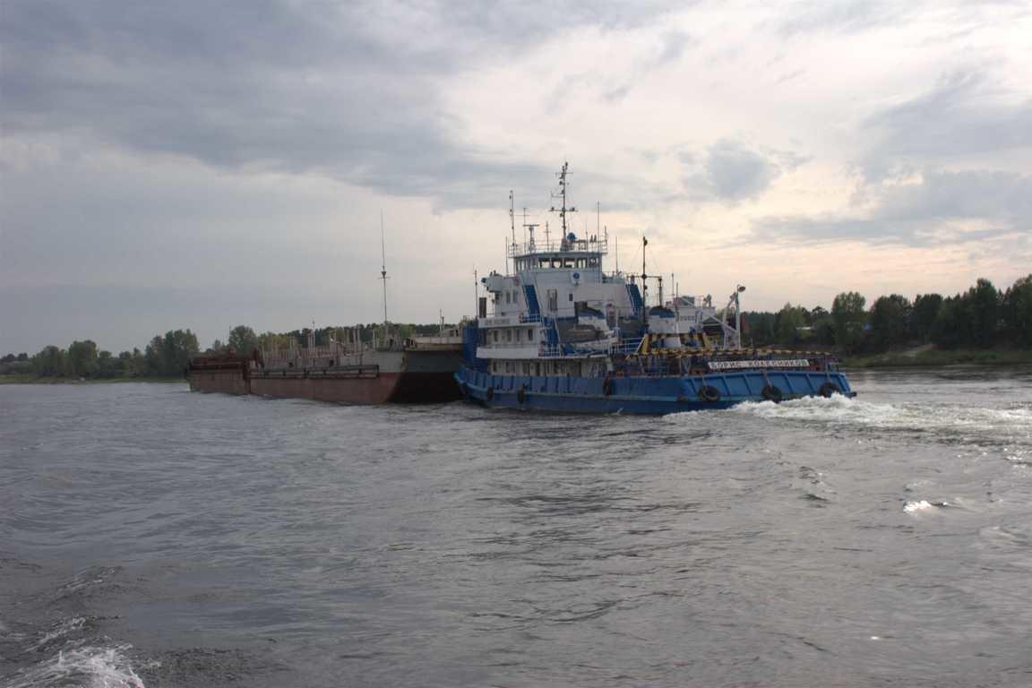 Енисейское пароходство продолжает завоз грузов в Эвенкию