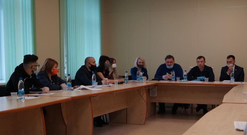 За круглым столом представители норильских НКО обсудили поправки в Конституцию РФ