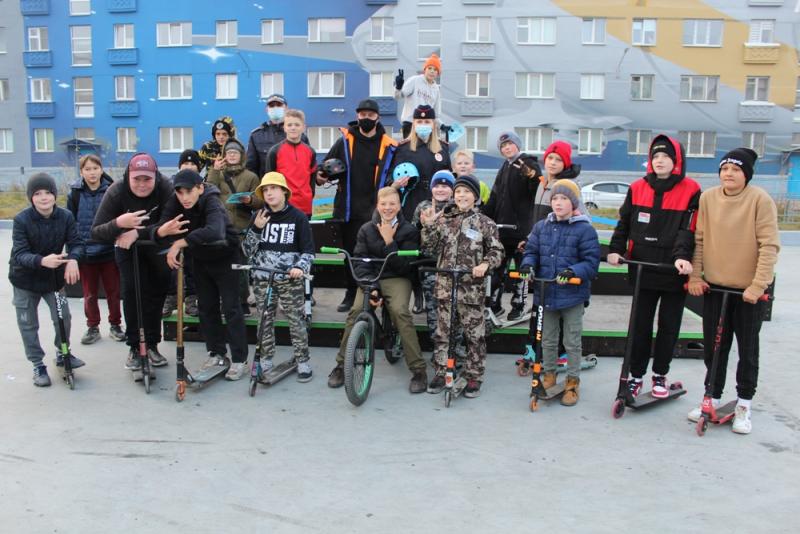 Молодым скейтерам напомнили о важности использования защиты