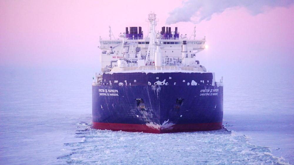 В январе два крупных судна встретятся на встречных курсах на трассе Севморпути без ледокольной проводки