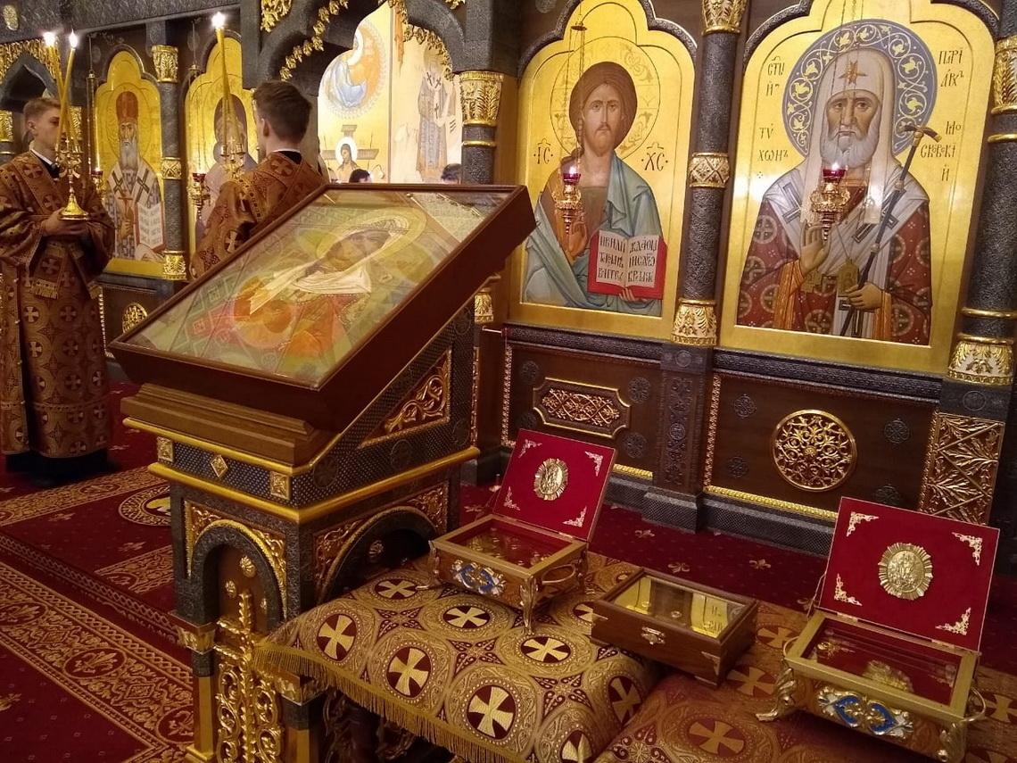 Благотворительный фонд Святого мученика Вонифатия передал Норильской епархии великие христианские святыни