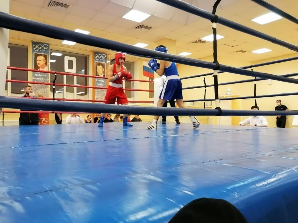 Под занавес ноября в Талнахе прошло первенство спортшколы № 4 по боксу