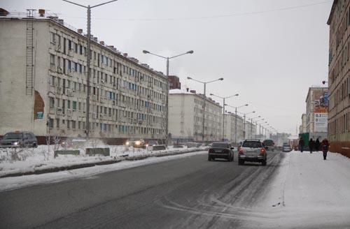 Улица Бегичева и площадь Газовиков