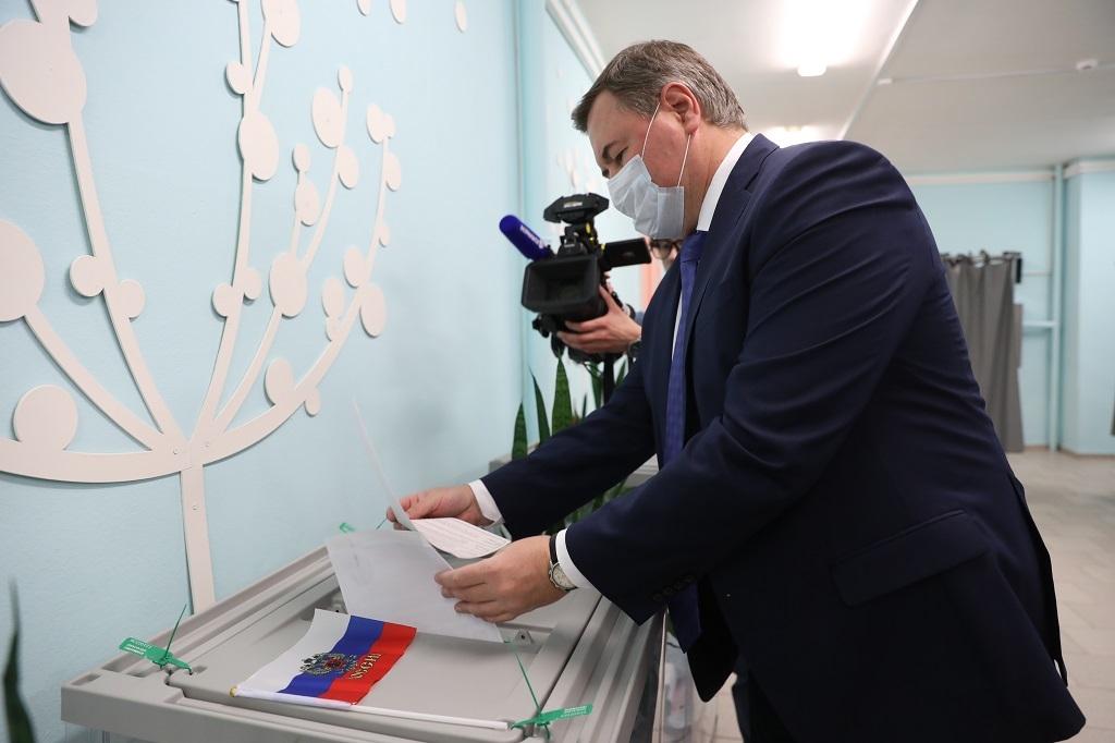 Дмитрий Свиридов проголосовал на выборах депутатов в Государственную Думу и краевое Законодательное собрание