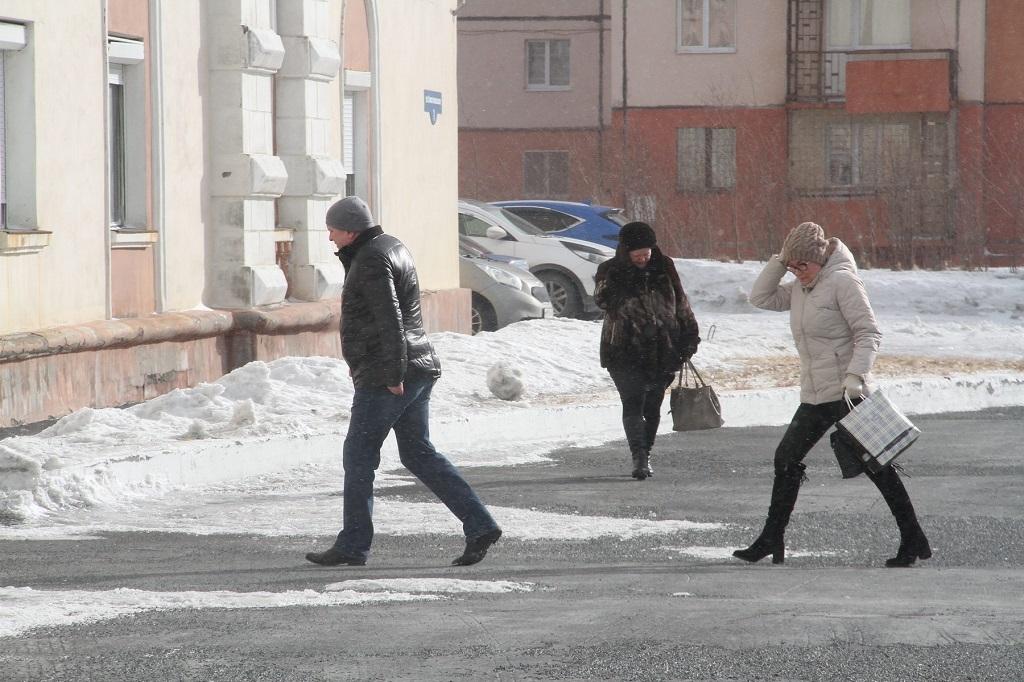 В Норильске сохраняется штормовое предупреждение по очень сильному ветру
