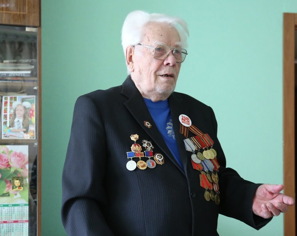 Президент России поздравил с 95-летием Виктора Николаевича Грекова