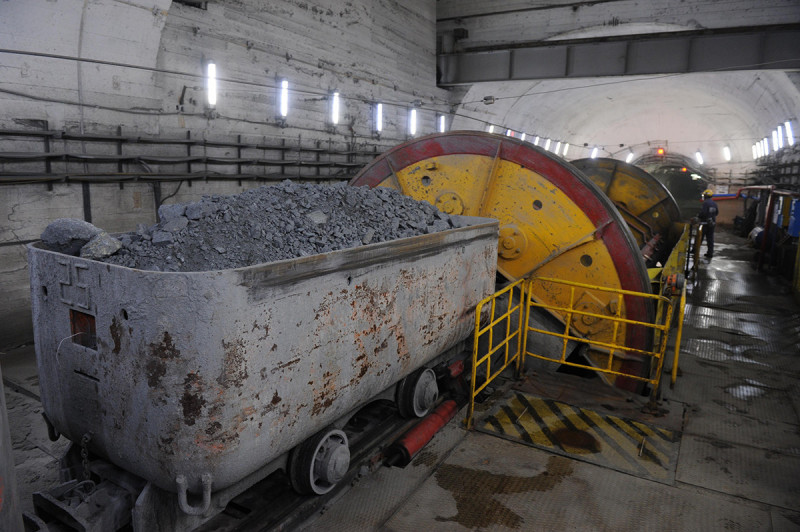 На руднике «Октябрьский» заменили старую дробильную установку