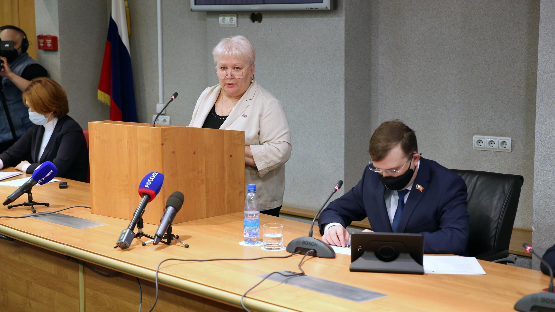 Людмила Магомедова рассказала норильским коллегам об итогах своей депутатской работы в Заксобрании