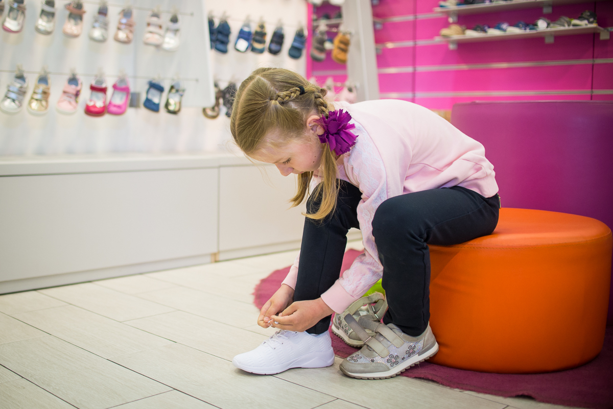 Какую фирму обуви безопасно выбирать для школьников