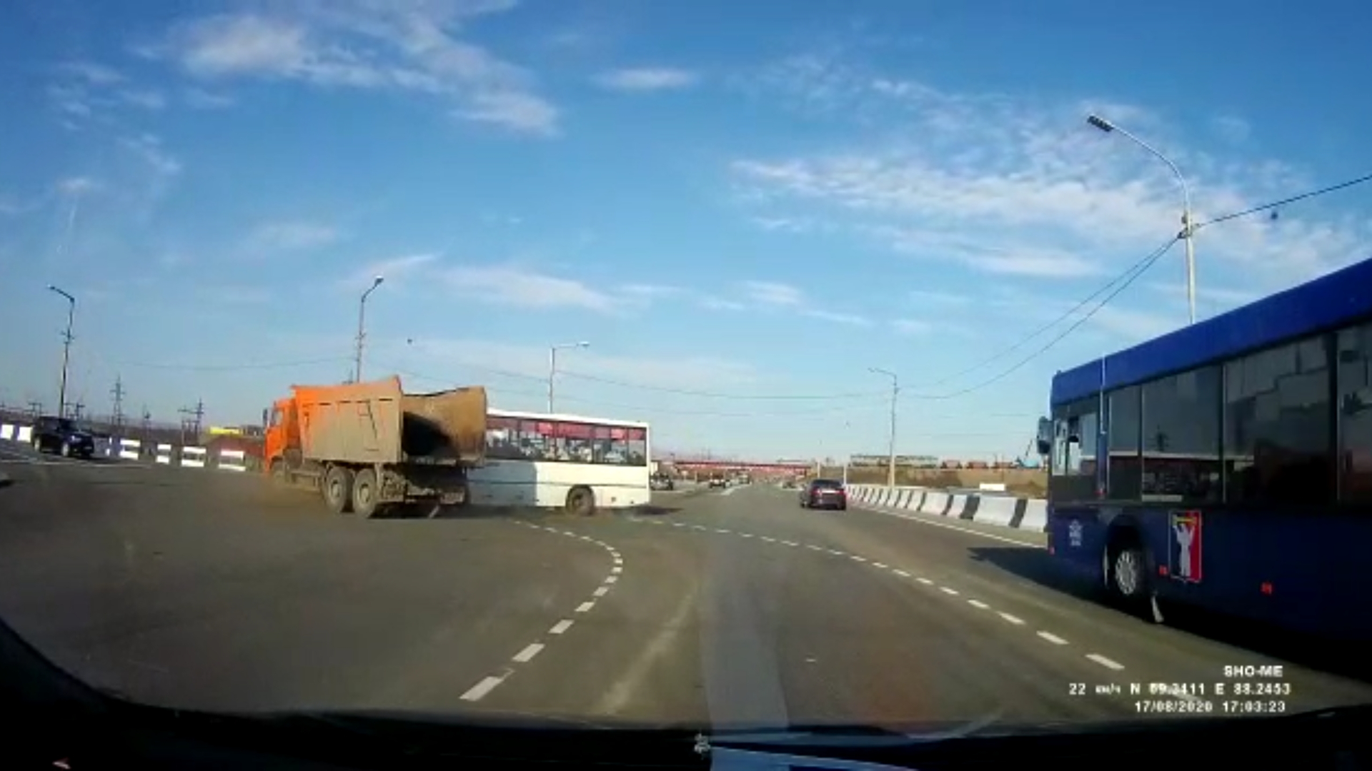 Выясняются обстоятельства ДТП с участием автобуса
