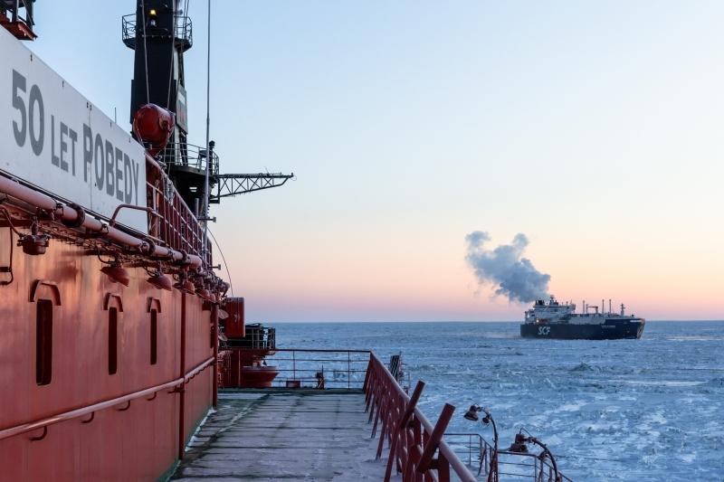 Впервые в истории арктической навигации атомоход в феврале провёл судно от мыса Дежнева через всю акваторию Севморпути