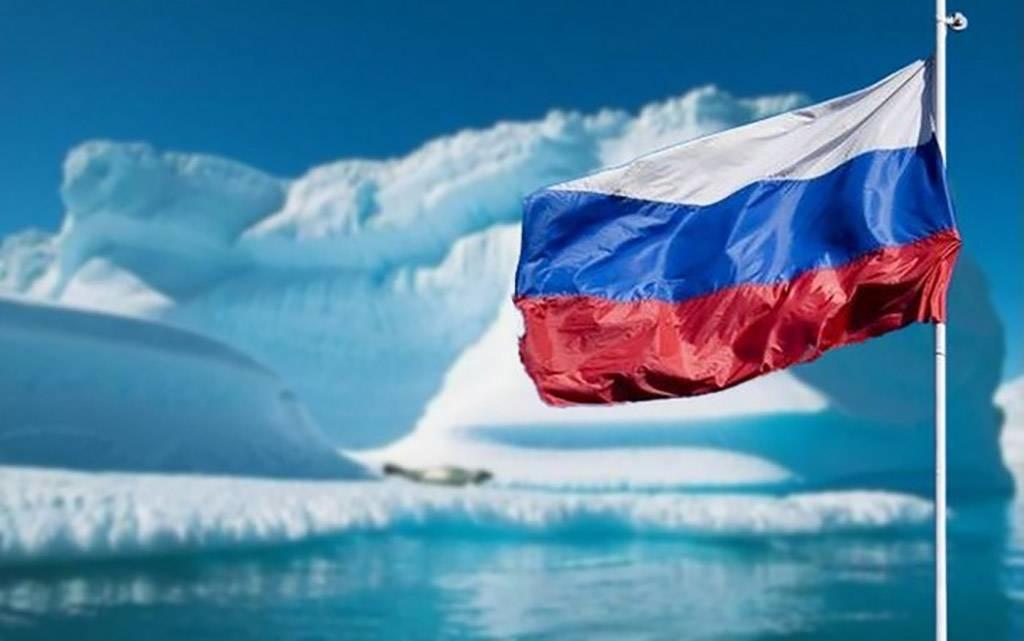 Президент РФ подписал указ об утверждении Стратегии развития Арктической зоны РФ