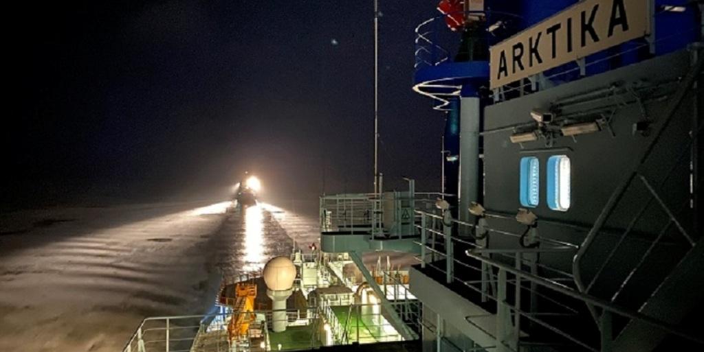 Свой первый рабочий рейс совершил атомный ледокол нового поколения «Арктика»