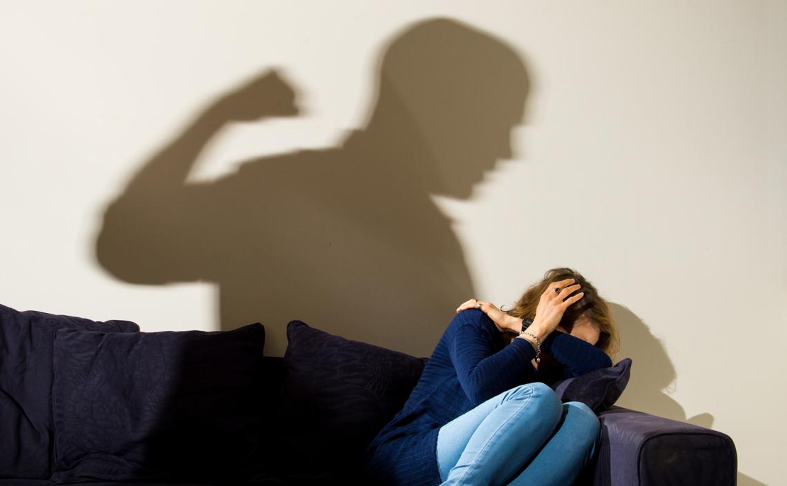 Поле боя: обзор СМИ о непринятом до сих пор законе против домашнего насилия