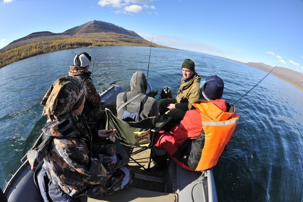 ГОиЧС Норильска информирует: купаться в водоёмах Норильска нельзя из-за холодной воды