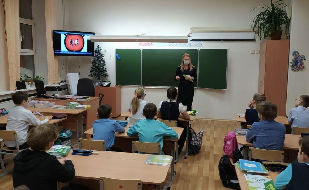 Госавтоинспекторы провели пятиминутки безопасности для учащихся гимназии № 5