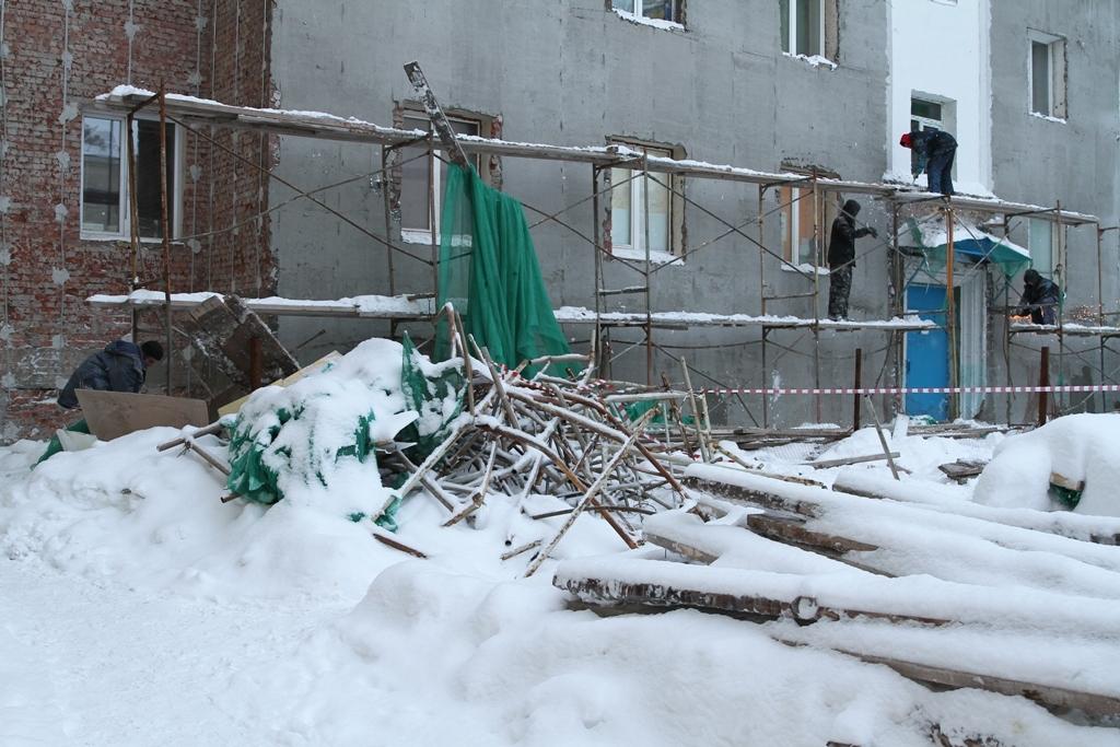 На ремонтируемом фасаде дома на ул. Богдана Хмельницкого, 19, рухнули леса