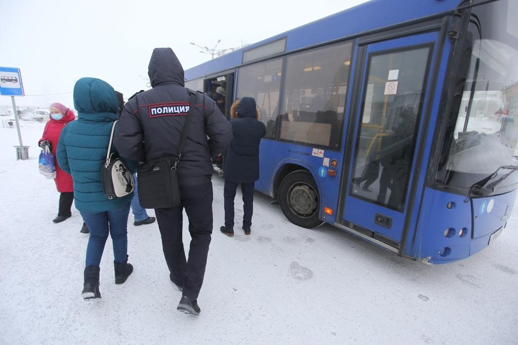 В Норильске продолжаются рейды по соблюдению масочного режима
