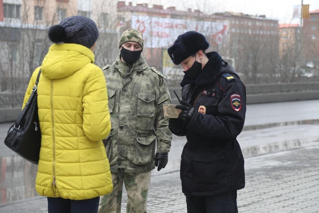 С сегодняшнего дня в Красноярском крае введён обязательный режим ношения масок