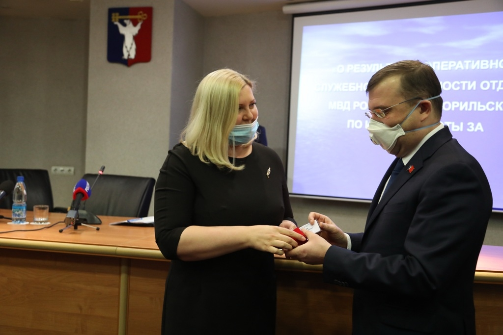 Место Дмитрия Карасева в Норильском городском Совете займёт Ирина Маслова