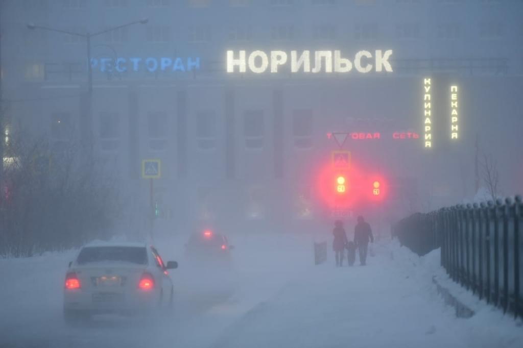 В Норильске действует штормовое предупреждение по очень сильному ветру